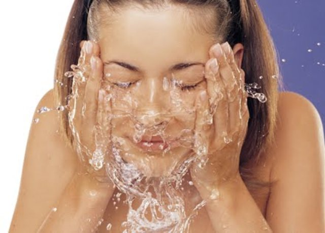 lavas la cara con vinagre