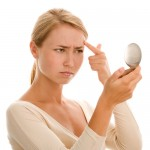 Cómo eliminar las manchas del acné