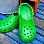 Cómo agrandar crocs